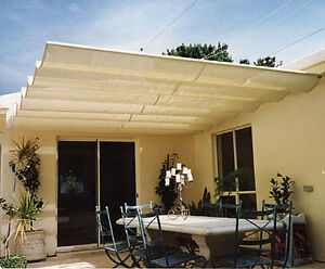 Yellow Outdoor Manual Retractable Shade Sun Shelter Canopy270028