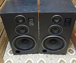 2 home system speakers