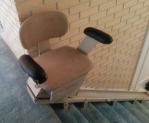 SUPER DEAL  Only $350.00 BRUNO STRAIGHT 7 STAIR  CHAIR LIFT