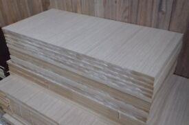 12 Pieces of New 18mm Light Oak Veneered MDF 33in x 15½in (840mm x 395mm)