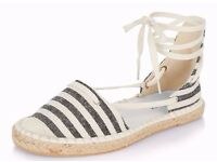 Black and Cream Canvas Striped Nautical Style Flat Lace Up Espadrilles.Size 4