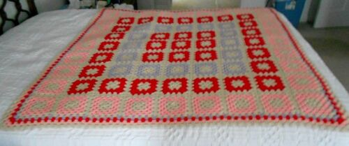 VINTAGE HAND MADE GRANNY SQUARE BABY AFGHAN BLANKET RED PURPLE PINK KNIT 51 X 50