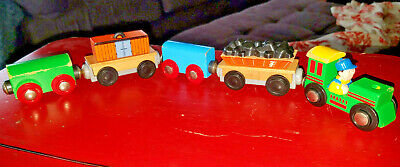 THOMAS THE TRAIN Wooden Railway Lot of 5 Magnet TRAIN CARS BRIO