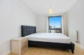 Stunning 2 Bedroom Flat within Walking Distance to Ealing Broadway