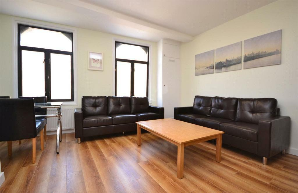 2 bedroom flat in Castle Road, London, NW1