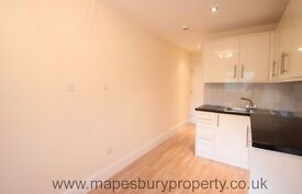 1st Floor Studio for Rent - Willesden Green NW2 - Near Station - Council Tax & Water Bill Included