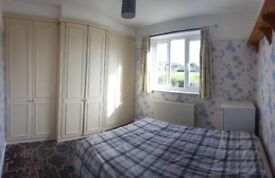 3 double rooms in the same house in Mitcham - with garden