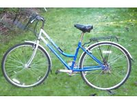 LADIES HORIZON CITY BIKE INCLUDING BASKET AND LIGHTS VERY GOOD CONDITION