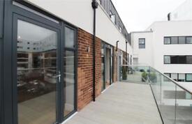2 bedroom flat in Clementine Court, 4 Dollis Park, London, N3