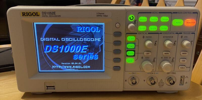 RIGOL DS1052E Oscilloscope 2 Channel 50 MHz - White, Free Shipping!