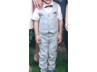 Boy's 4-pieces suit 2-3 years