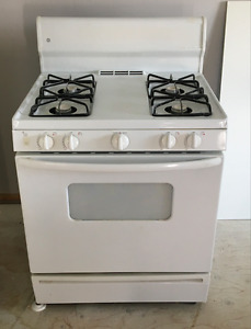 GE Gas Powered Oven / Stove