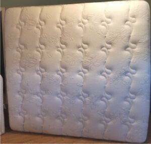 """Kingsdown Luxury Platinum """"My Side"""" pillow top bed, king size"""