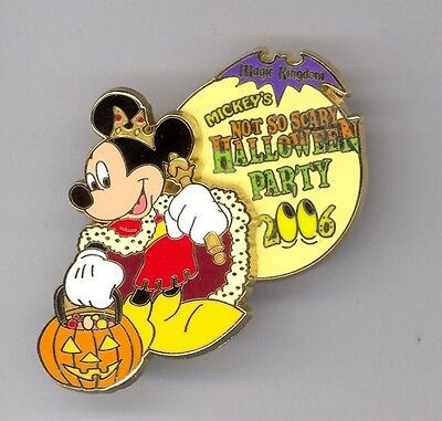 WDW Disney Mickey's Not So Scary Halloween Party Mickey Mouse as King LE Pin