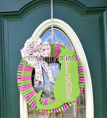 Cat Welcome clothespin wreath for door, patio or wall.