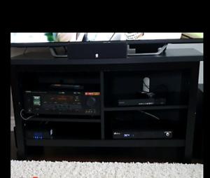 Meuble de télévision noir, état presque neuf