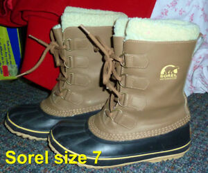 WINTER BOOTS SIZE 7 / 9