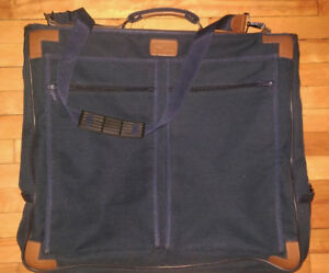 Folding travel suit bag