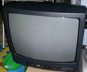 "17"" Durabrand CRT TV"