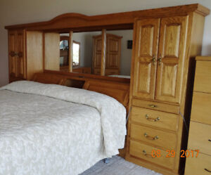 Solid Oak 3-piece King-size Bedroom Set, excellent condition
