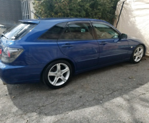 2001 RHD Lexus IS300 Sportcross/ Toyota Altezza Gita