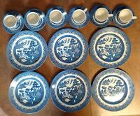 Blue Willow China 18 Pieces
