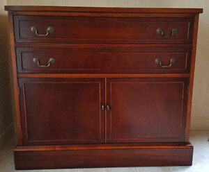 Classic MAHOGANY BUFFET - by GIBBARD - Traditional Style