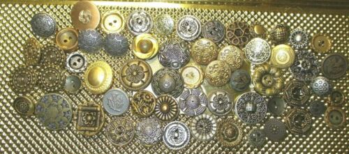 LOT 55+ VINTAGE MIXED METAL FLOWER BUTTONS