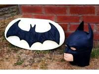 Batman set ; stone garden ornament