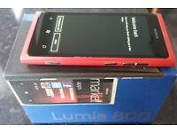 Nokia Lumia 800 - unlocked with box