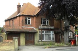 Rooms To Rent in Shared Detached House, Slough Town Centre