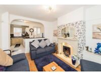 Lovely 2 bedroom house modernised and ready to move in. Perfect for professionals, couple or family