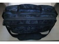 "15"" LAPTOP BAG IN CAMOUFLAGE PATTERN"