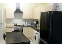 Large and lovely double room in a newly refurbished house near Shepherd's Bush! !!! ALL BILLS INC