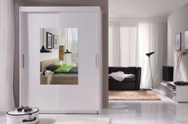 Nice Wardrobe in white with Mirror