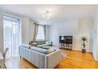 Bright 3 bedroom in Hackney Downs. communal garden and balcony minutes from Clapton station.