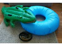2 Beach/Swimming toys with pump.