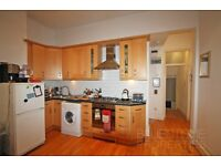 SW18!! Perfect flat for Professional Couple in the Heart of Wandsworth Town!!1 DOUBLE BEDROOM!