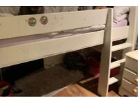 Mid rise cabin bed