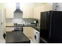 A great new and large double room in a friendly environment! Great transport links!