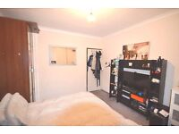 Great location Flat with 4 Large Double Rooms in Kings Cross/ St Pancras / Zone 1