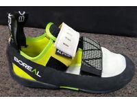 Boreal Alpha climbing shoes. Size 2,5.
