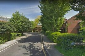 2 bedroom house in Coopers Close, London, E1 (2 bed) (#1019360)