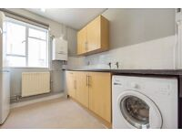 **DSS WELCOME** Fabulous 2 bedroom flat located in the heart of trendy Clapham