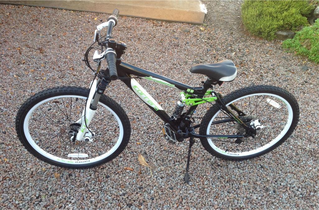 Carrera Detonate child's mountain bike