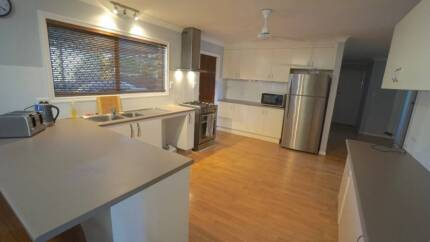 Mareeba - 4 bedroom house for rent - back packers welcome!