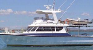 Curran flybridge cruiser