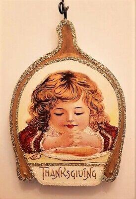 WISHBONE w CHILD at DINNER TABLE, PRAYING * THANKSGIVING ORNAMENT * Vtg Img