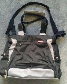 Skip Hop Bento changing bag in VGC