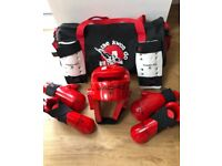 Kids Teakwondo Sparring Gear Size Medium (Age 7-10) in Red